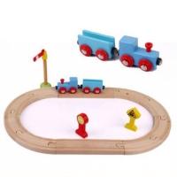 ریل و قطار آبی رنگ چوبی